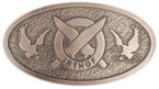 Oval belt buckle with crossed knives in middle of circle with eagles on both sides